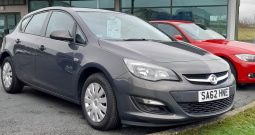 VAUXHALL ASTRA EXCLUSIV 98  5 DOOR HATCHBACK  1398c.c.  60,000 MILEAGE  IN GREY